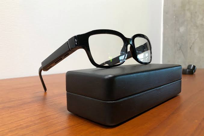 Enormous tech racing to supplant cell phones with smart glasses
